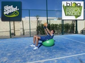 Crunch en fitball con balón medicinal (2)