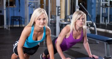 Ejercicios de fuerza en gimnasio para mejorar en el pádel