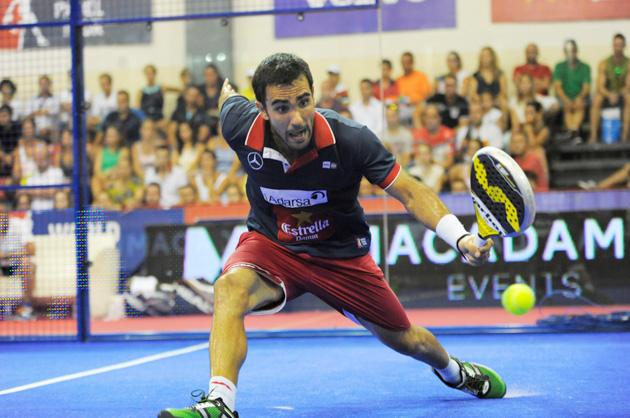 Pablo Lima, juega en la derecha