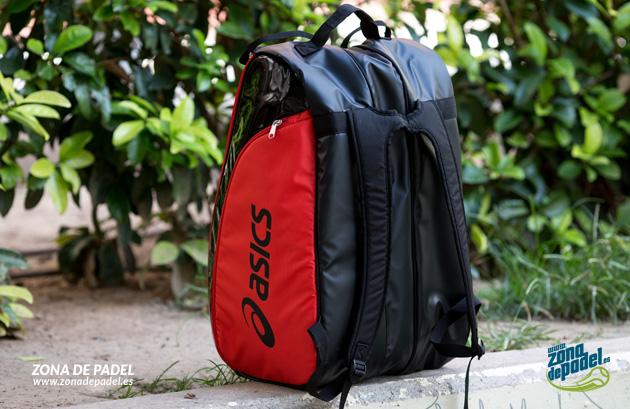 Padel Bag Asics tipo mochila o bandolera